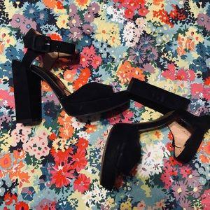 Stradivarius heels Size 6.5-7